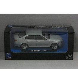 BMW BMW M5 Sedan - 1:43 - NewRay