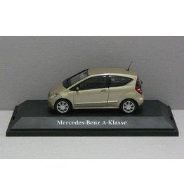Mercedes-Benz Mercedes-Benz A-Klasse 2004 (3-drs) - 1:43 - Schuco