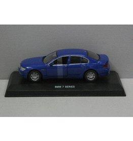 BMW BMW 740i 2005 - 1:43 - Edison Giocattoli