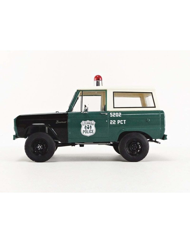 Ford Ford Bronco Police Persuit (NYPD) 1967 - 1:18 - Greenlight Artisan Collection