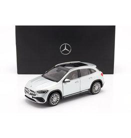Mercedes-Benz Mercedes-Benz GLA - 1:18 - Z Models