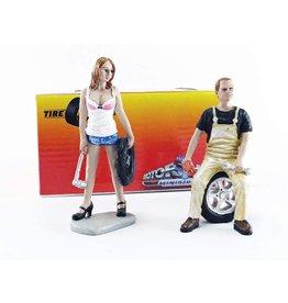 Tire Brigade Set #4 Meg & Derek - 1:18 - Motorhead Miniatures