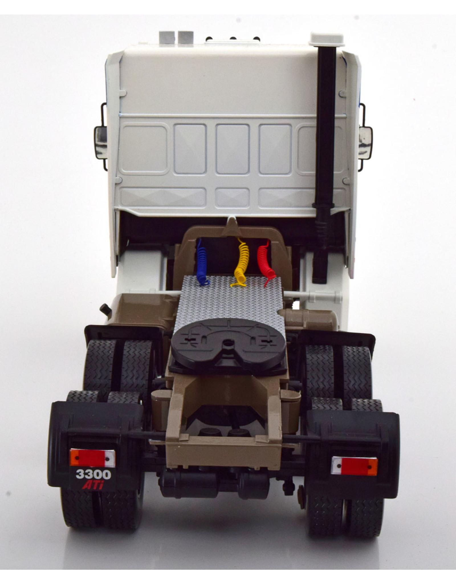 DAF DAF 3300 Space Cab - 1:18 - Road Kings