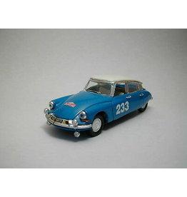 Citroen Citroen DS 19 #233 Rally Monte Carlo 1963 - 1:43 - Rio
