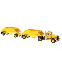 Diamond T Diamond T 921 Tractor 4x2 + 2 Open Bottom Dump Trailers 1955 - 1:64 - Neo Scale Models