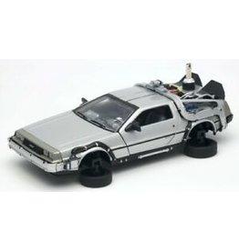 Movie Memorabilia Movie Memorabilia DeLorean Back To The Future II Flying Wheel Version - 1:24 - Welly