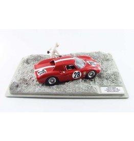 Ferrari Ferrari 250 LM 3.3L V12 # 28 Testcar 24H Le Mans 1965 (Diorama) - 1:43 - Best Model