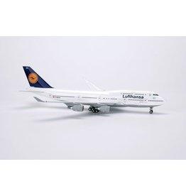 Boeing Boeing 747-400 D-ABVX Schleswig-Holstein 'Lufthansa' - 1:300 - Herpa