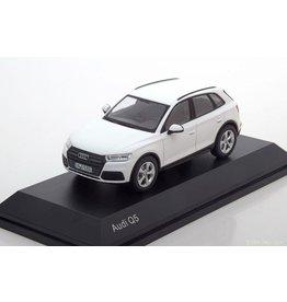 Audi Audi Q5 - 1:43 - iScale