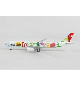 Airbus Airbus A330-300 'TAP Air Portugal CS-TOW Stopover' - 1:500 - Herpa