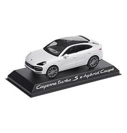 Porsche Porsche Cayenne Turbo S E-Hybrid Coupé - 1:43 - Norev