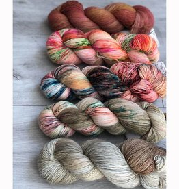 WALK collection FIVE SKEIN FADE - CREAMY CORAL