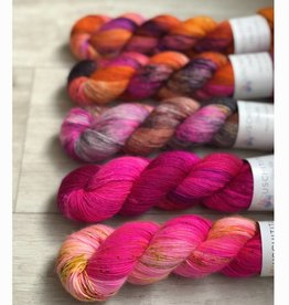 Uschitita FIVE SKEIN FADE - PINK PUNCH