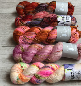 Qing Fibre FIVE SKEIN FADE - ROUGE