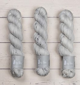 Qing Fibre QING ARAN - PLATINUM 1 (LIGHT GRAY)