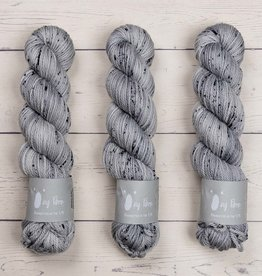 Qing Fibre QING ARAN - PLATINUM 2 (MEDIUM GRAY)