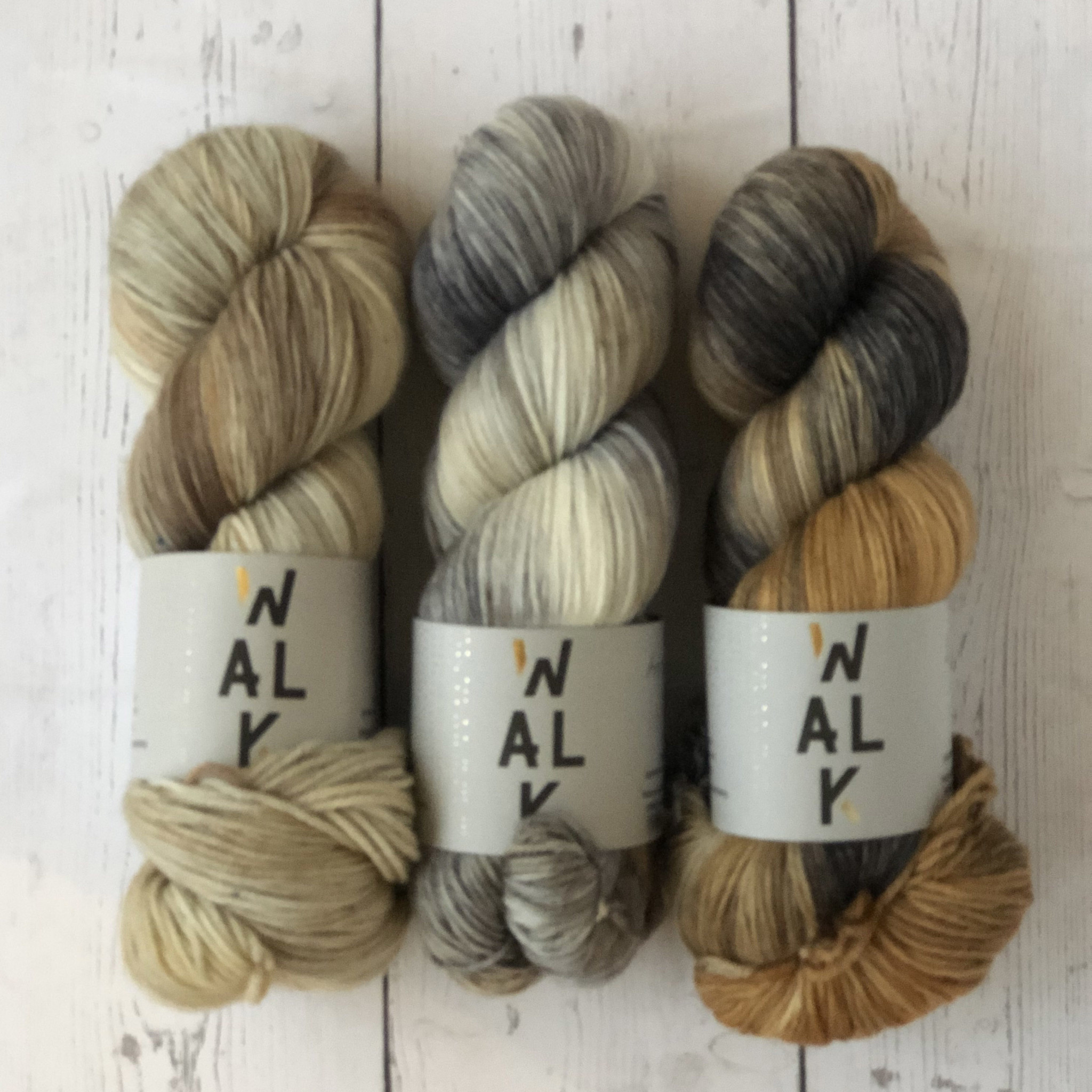 Westknits WK CABLED BLISS - KIT SAND DUNE