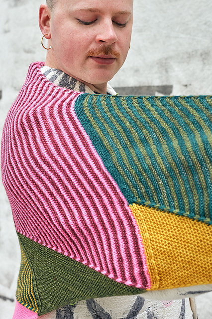 Westknits WESTKNITS TRIANGLE PARADE KIT 12