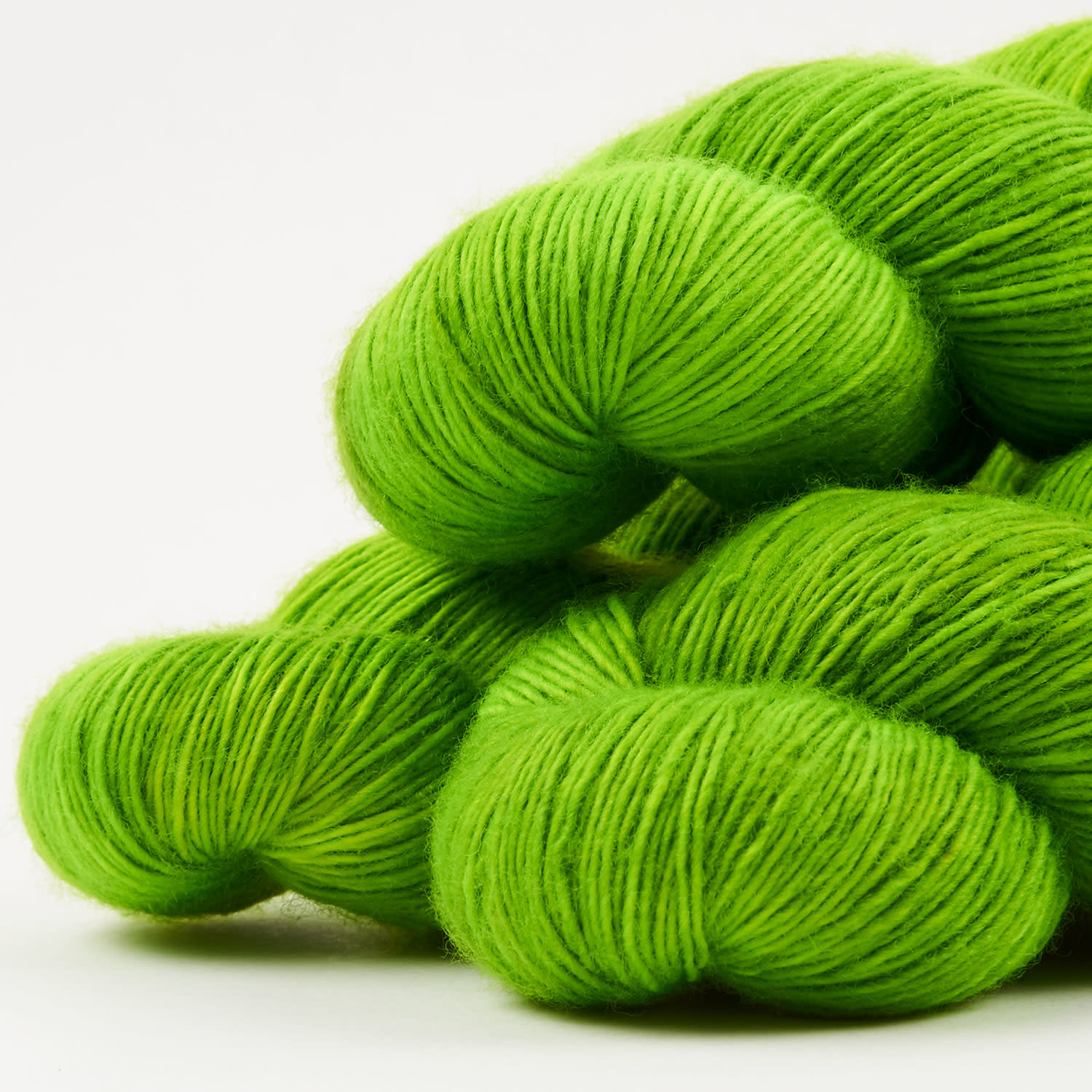 Giggling Gecko Yarns GGY - ATOMIC APPLE