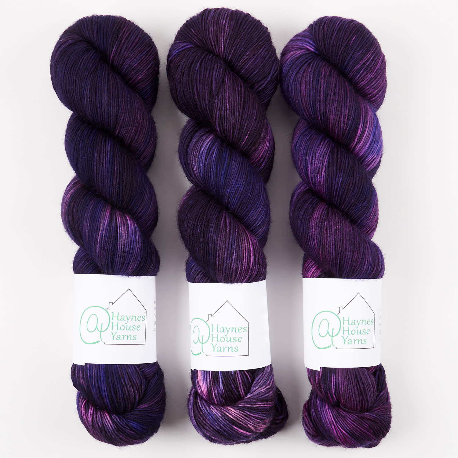 ​AT Haynes House Yarn FIVE DEEP RUSTIC FINGERING - JANE AUSTEN: PERFECTLY AMIABLE (MR. DARCY)