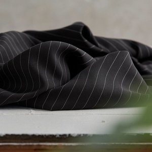 Meet Milk - Tencel - Pin stripe twill - black