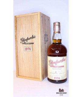 Glenfarclas Glenfarclas 30 Years Old 1976 2007  Cask 3111 - The Family Casks 49.4%