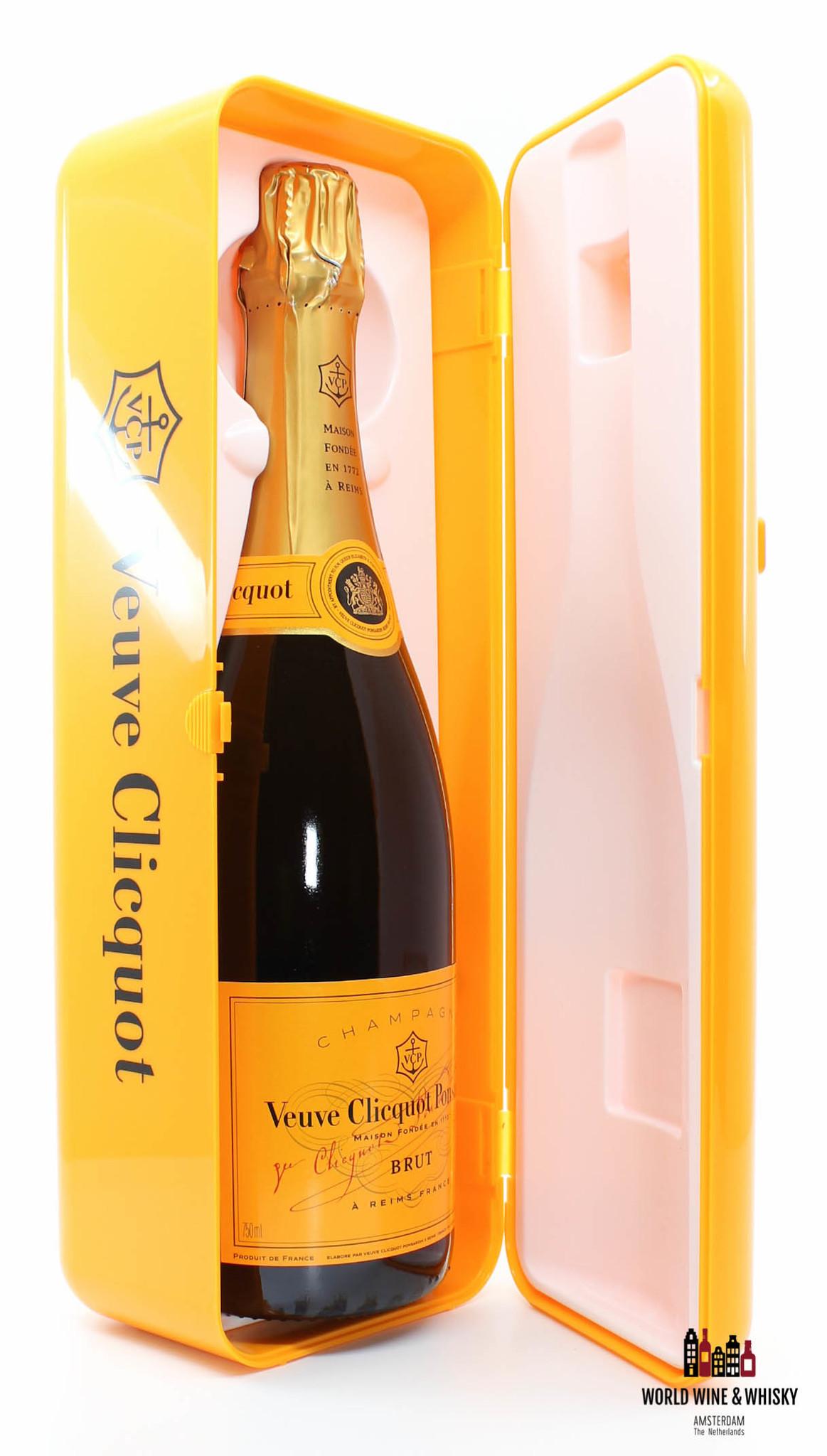 Veuve Clicquot Veuve Clicquot Champagne Brut - in orange fridge