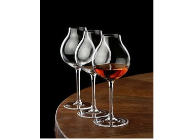 Luxurious and professional whisky glasses