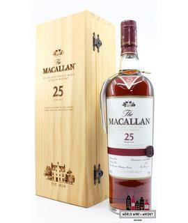 Macallan Macallan 25 Years Old 2011 - Sherry Oak Casks from Jerez 43% (in luxury wooden case)