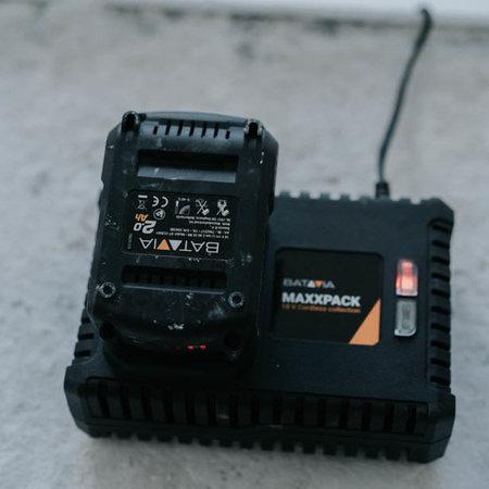 Batavia 18V 4.0 Accu  met 4.0 snellader