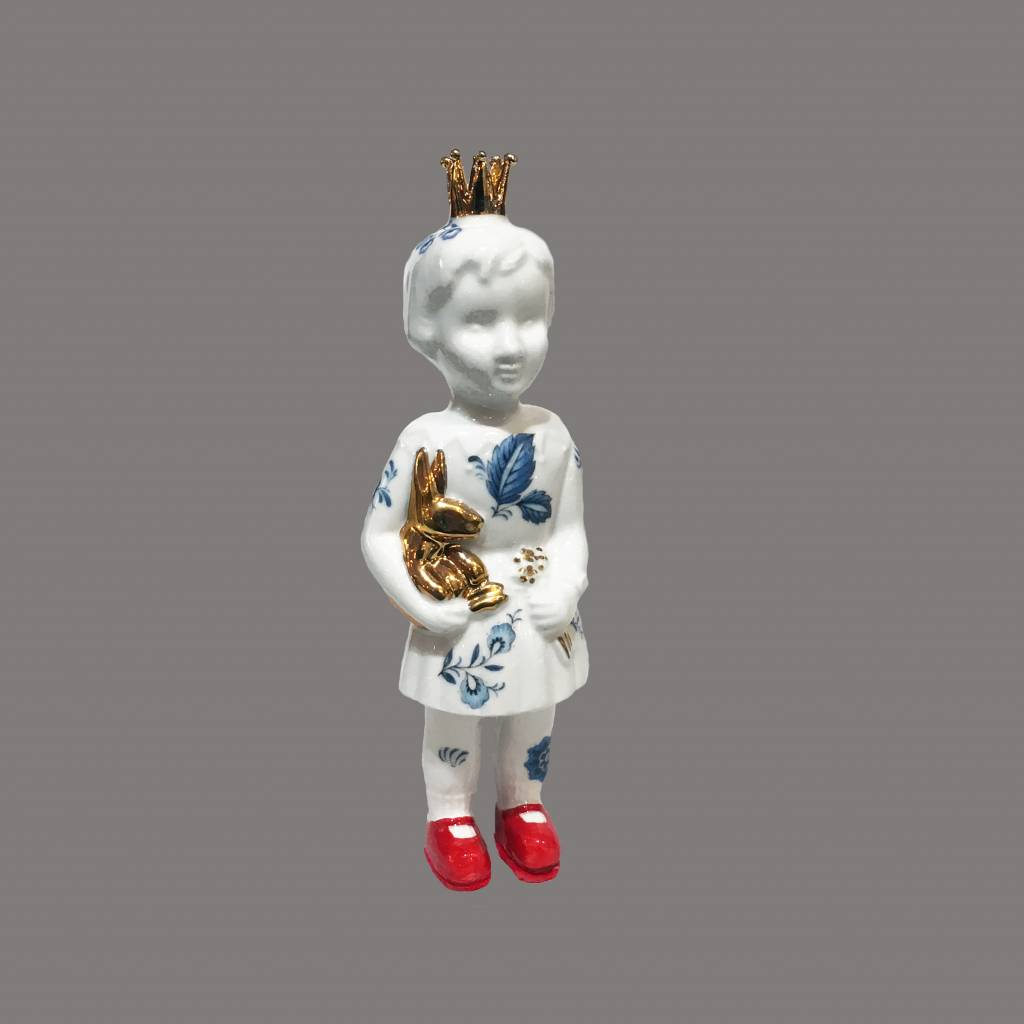 Mini doll with Delft Blue by Lammers and Lammers