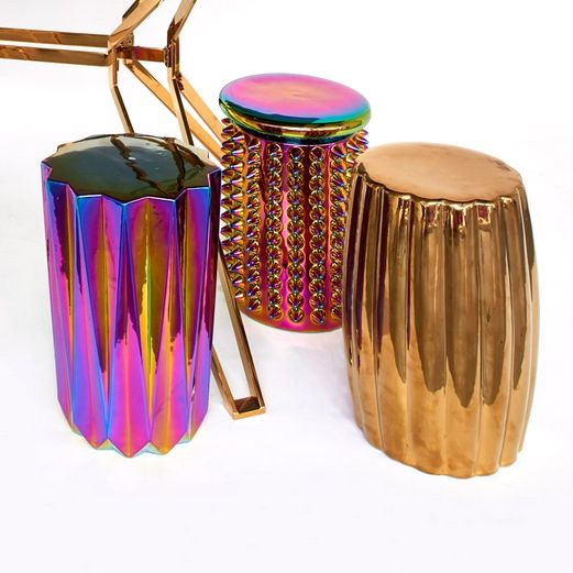 "Design tafeltje of kruk van keramiek ""Oily spikes"""