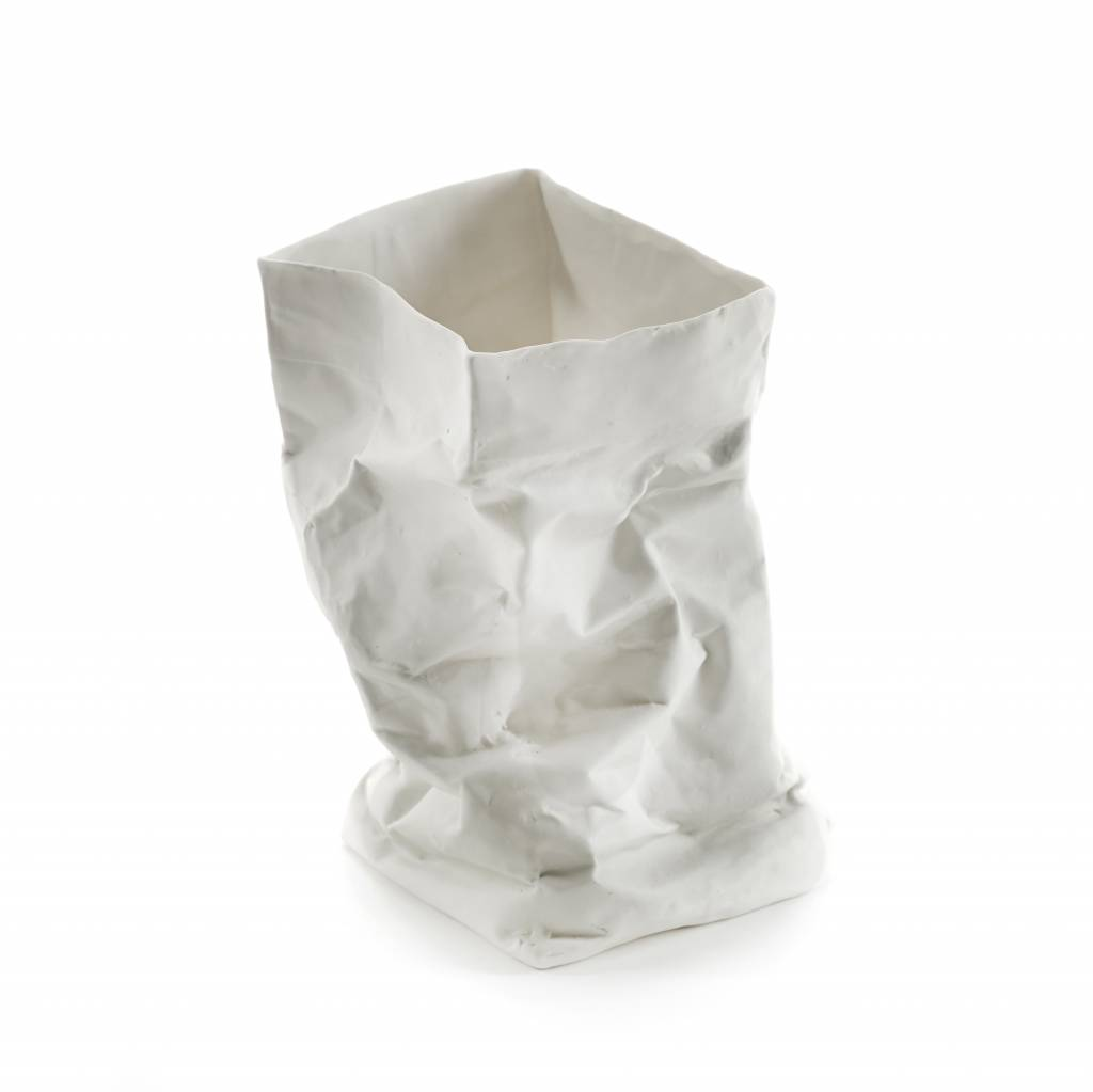 Papieren zak vaas van keramiek