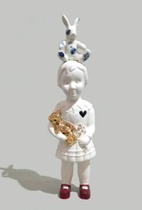 Pop met wit konijn van Lammers en Lammer