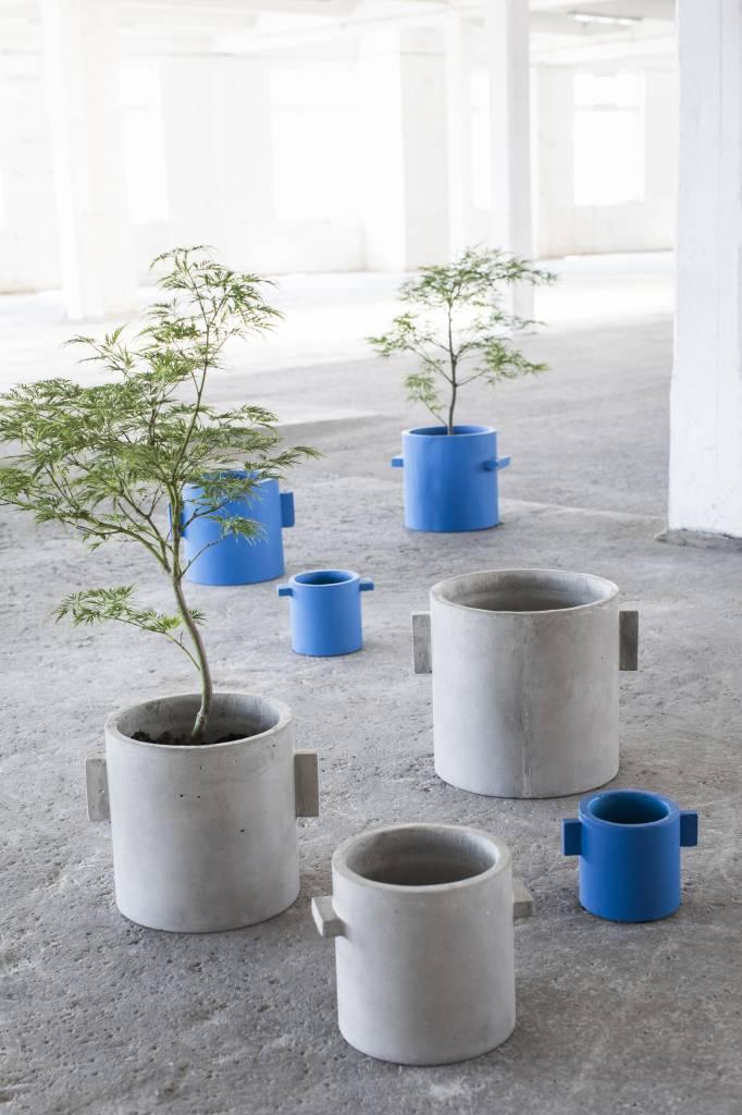 """Design bloempot """"Kiko"""" van grijs beton van 30 cm"""