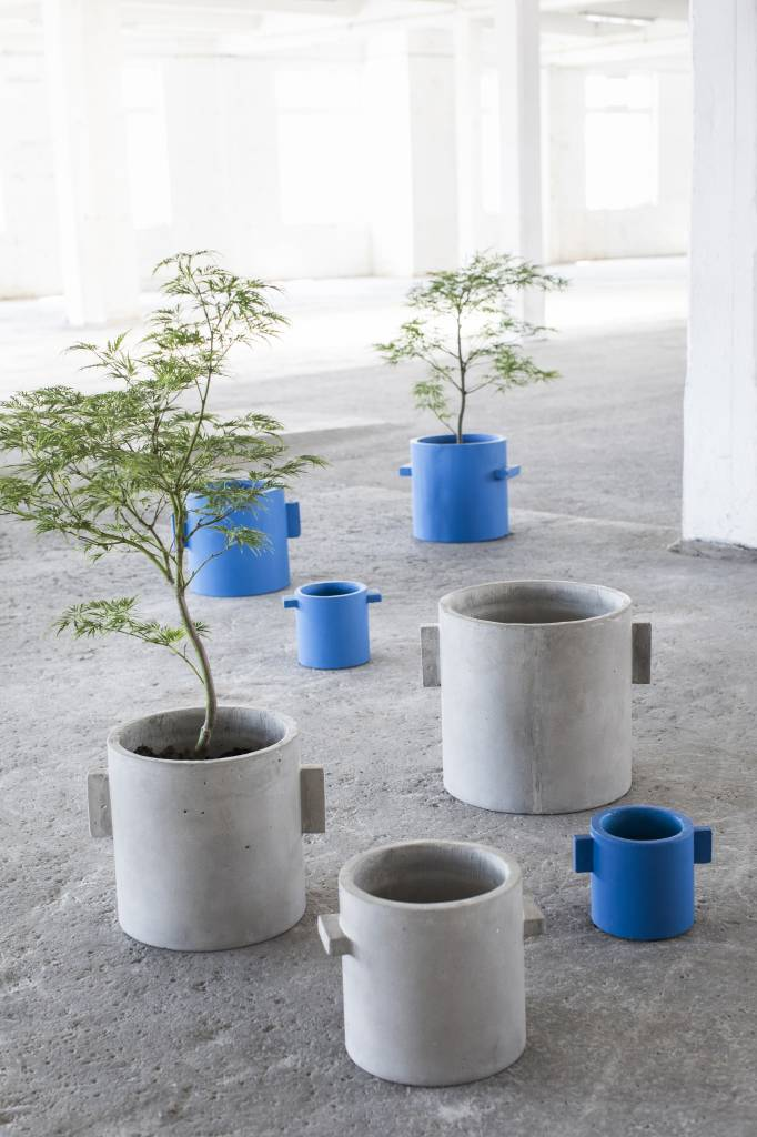 "Modern blue concrete design planter ""Kiko""  20 cm"