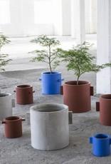 """Design bloempot """"Kiko"""" van blauw beton van 30 cm"""