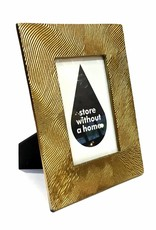Metal picture frame with gold look finish