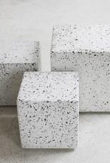 Design bijzettafel van terrazzo