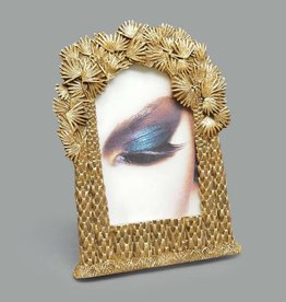 Picture frame with palm decor