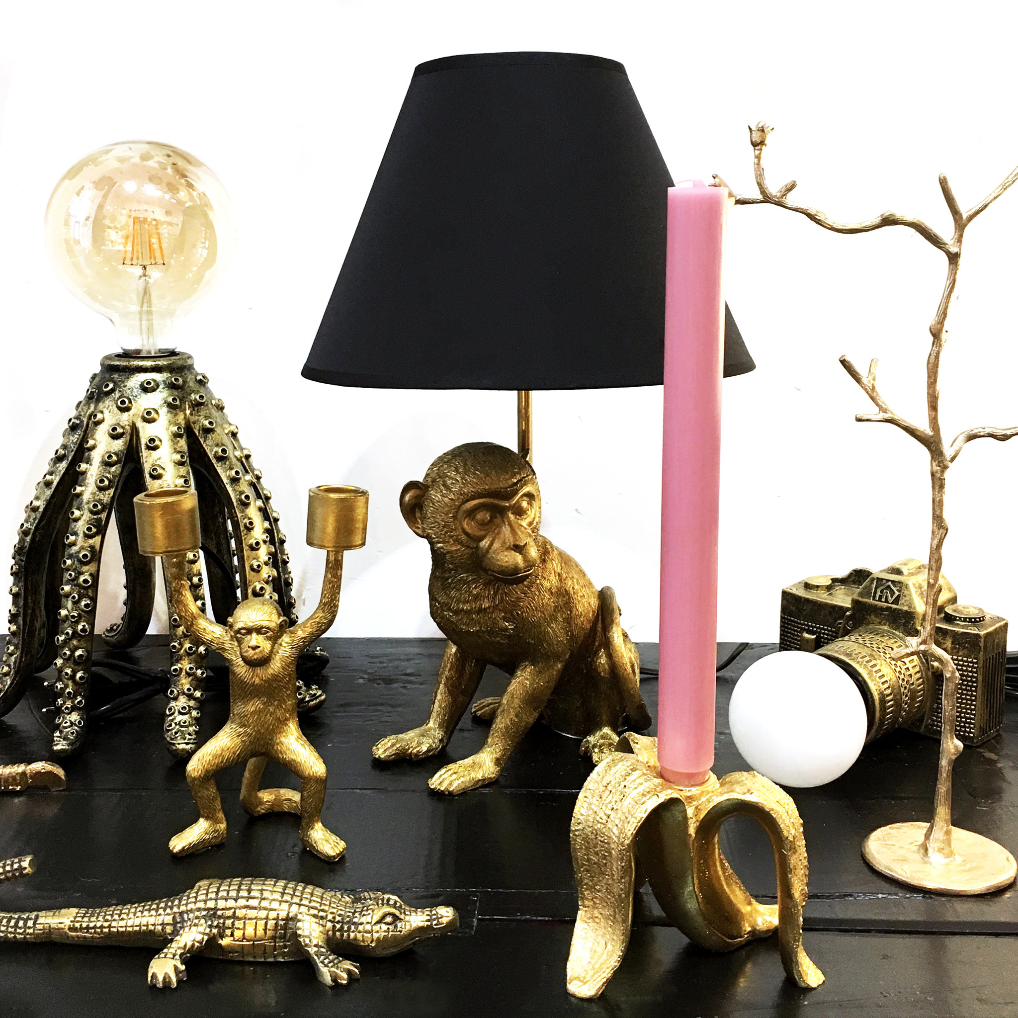 Gold octopus table lamp