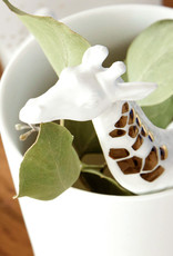 Design vaas met giraffe van wit keramiek