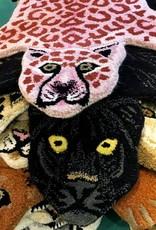 Roze luipaard vloerkleed van Doing Goods