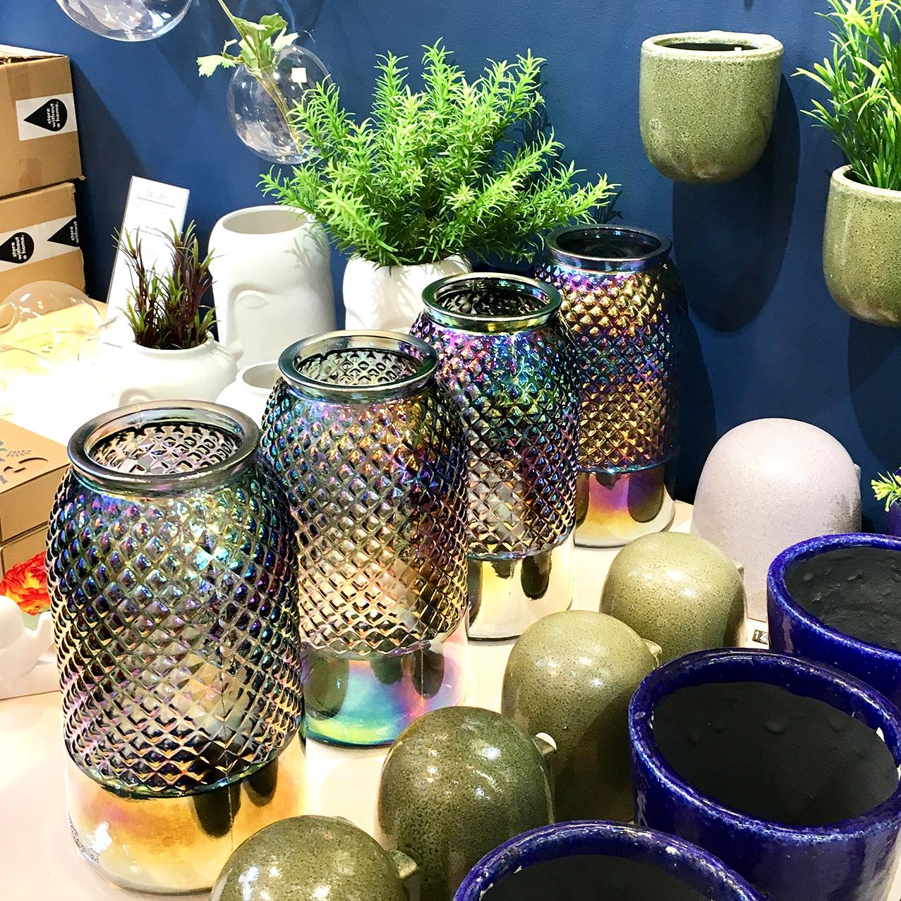 Design vaas van multicolor gekleurd glas