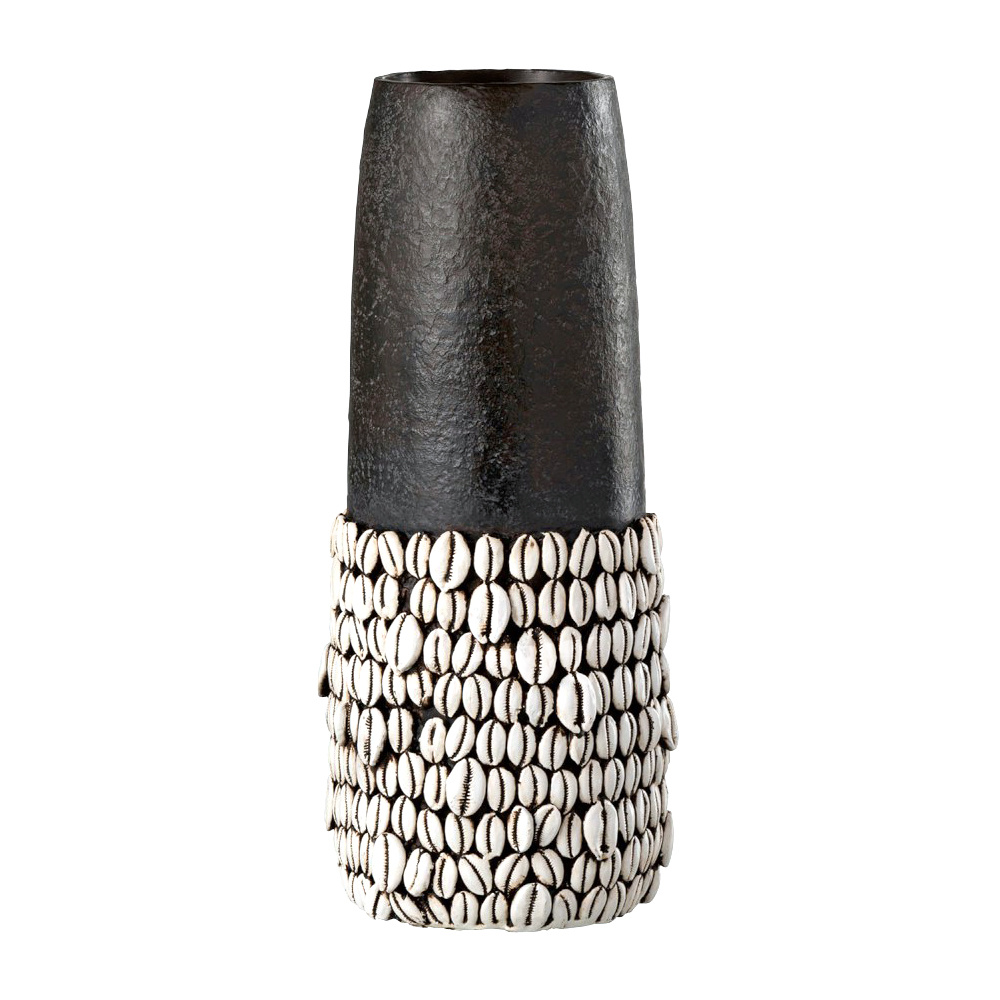 Large vase with shells decoration