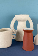 "Design vaas ""Cone"" van mat steenrood keramiek"