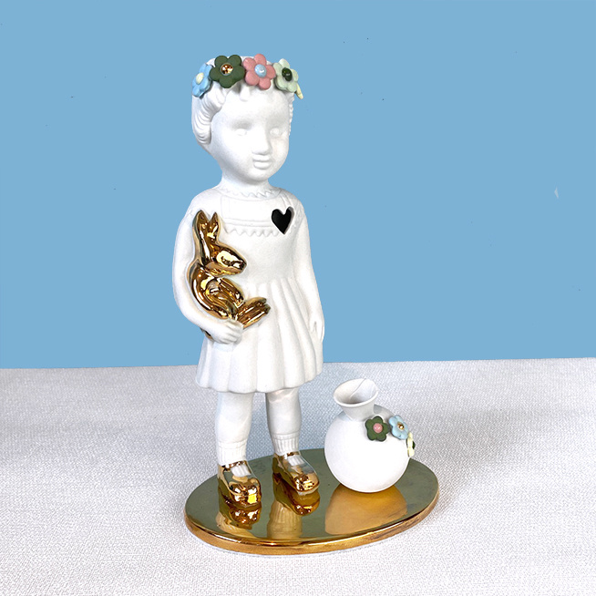 Limited edtion doll with vase from Lammers and Lammers
