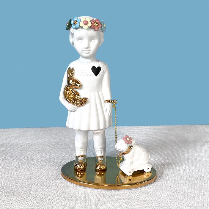 Limited edition popje met konijn van Lammers en Lammers
