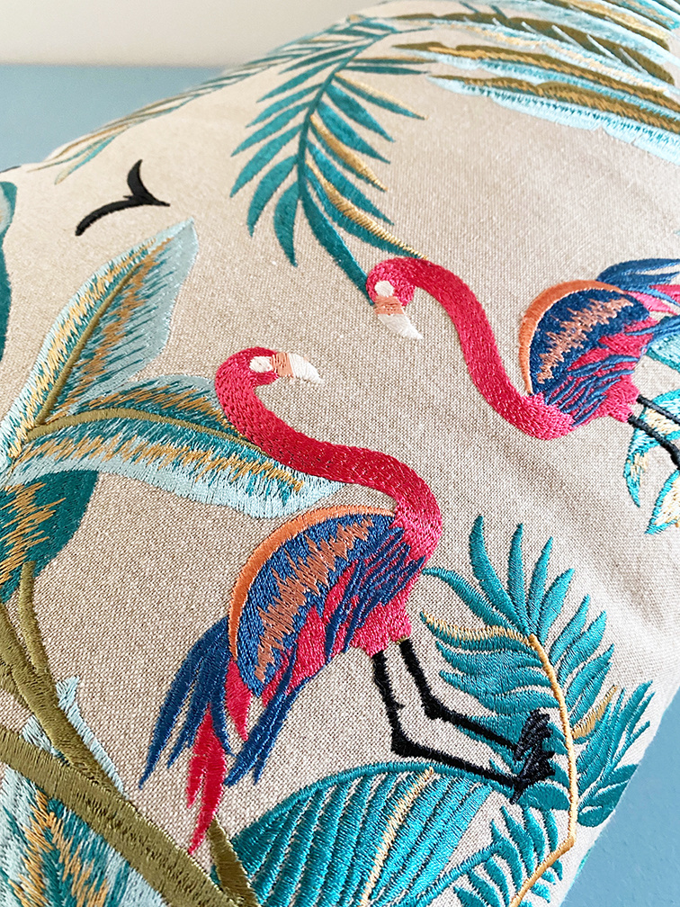 Rectangular luxury cushion with embroidered birds