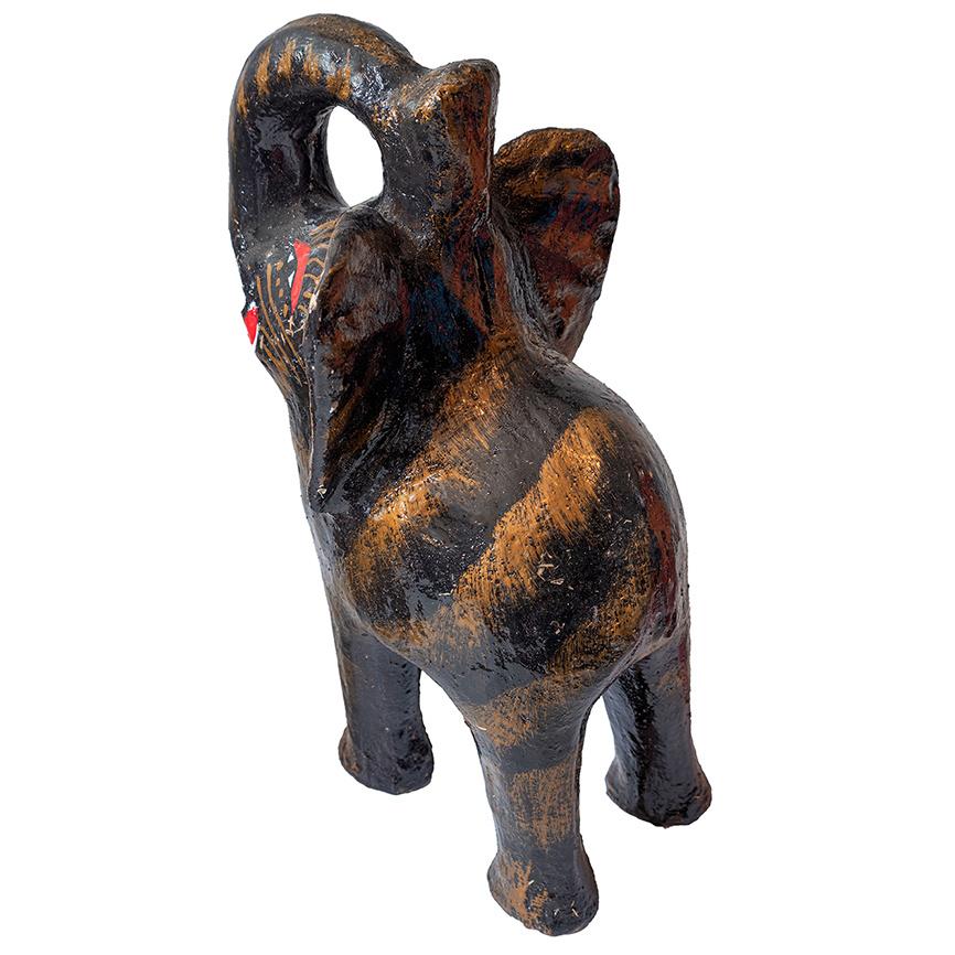 Aparte zwarte olifant spaarpot van keramiek
